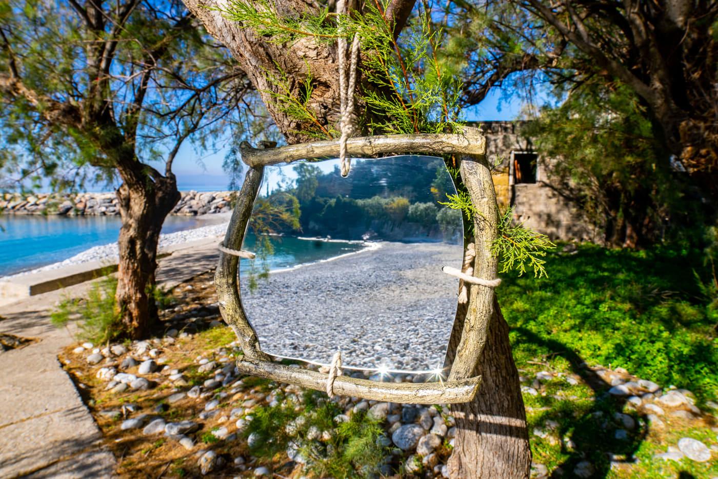 Καθρέφτης από ξύλο ελιάς MIR006