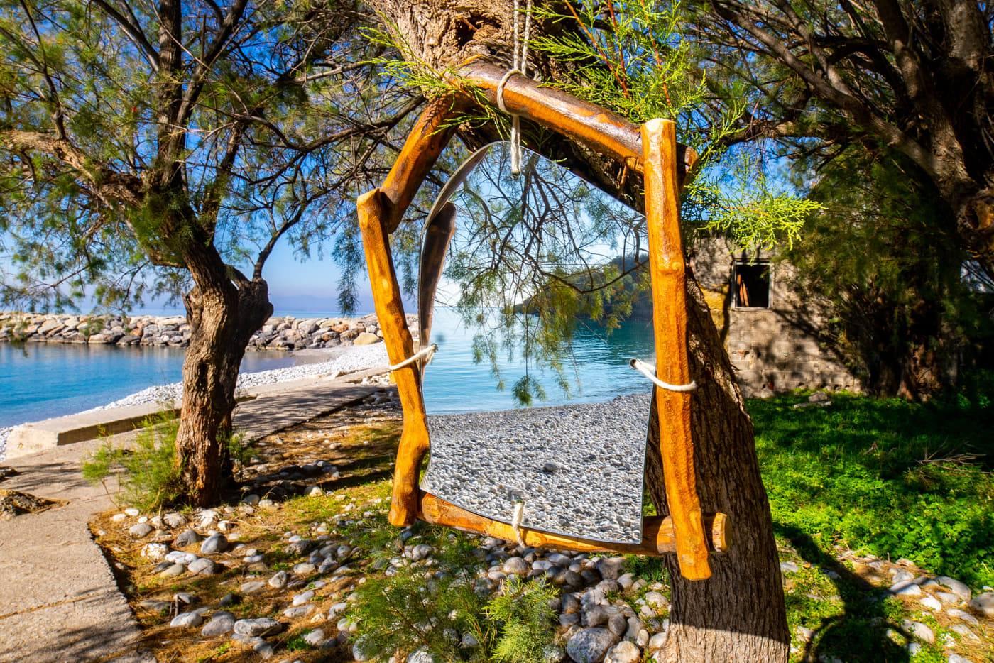 Καθρέφτης από ξύλο ελιάς MIR001