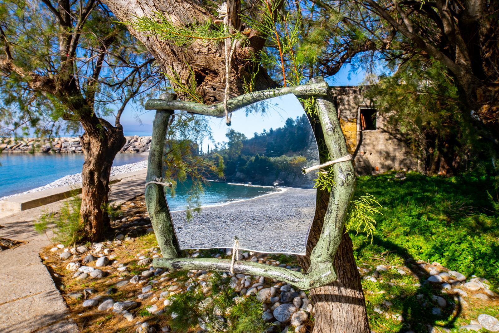 Καθρέφτης από ξύλο ελιάς MIR009